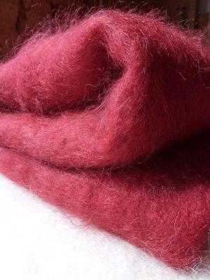 Couverture laine mohair rouge par la Ferme d'Auré
