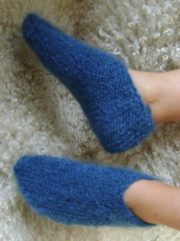 chaussons de lit tricot mainen mohair laine mohair de la ferme d 39 aur. Black Bedroom Furniture Sets. Home Design Ideas