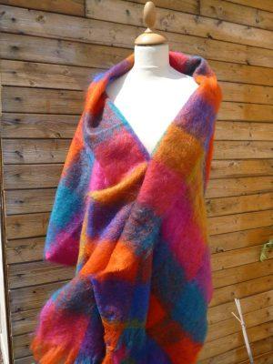 etole tissée en laine mohair à carreaux de la Ferme d'Auré
