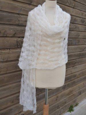 étole femme en laine mohair et soie ecru