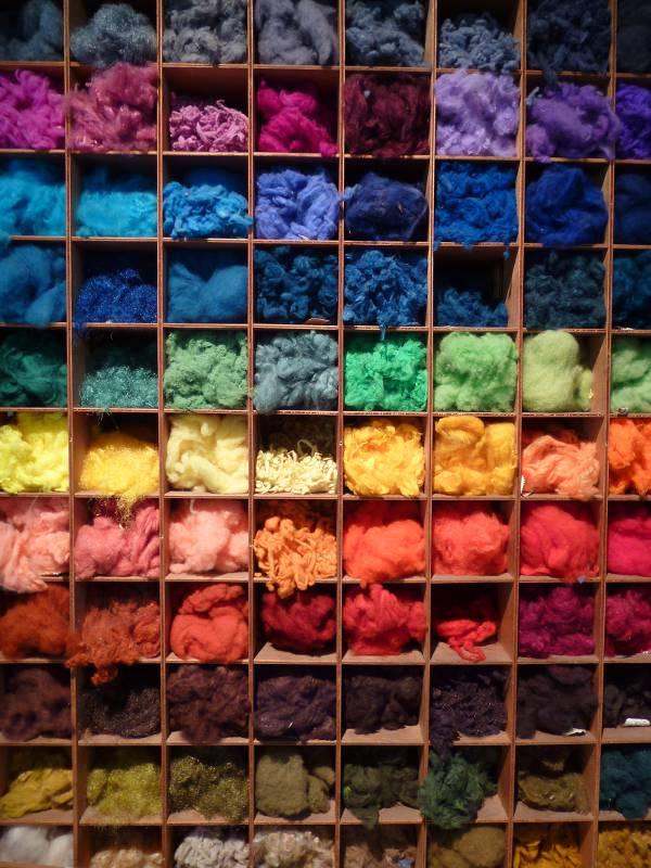 commandez le nuancier des laines mohair et soie de la Ferme d'Auré