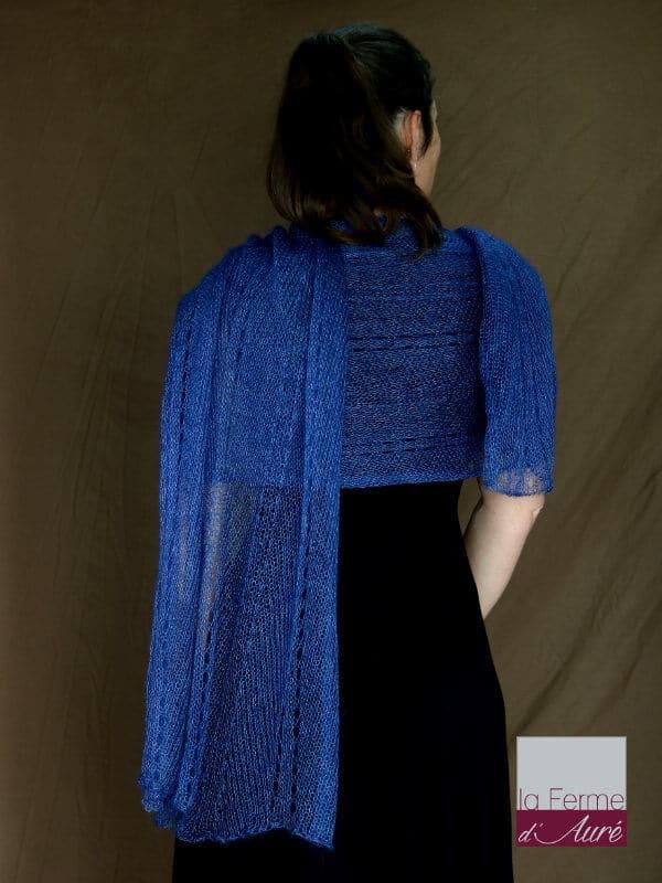 Etole tricot mariage mohair et soie bleu jean vue de dos