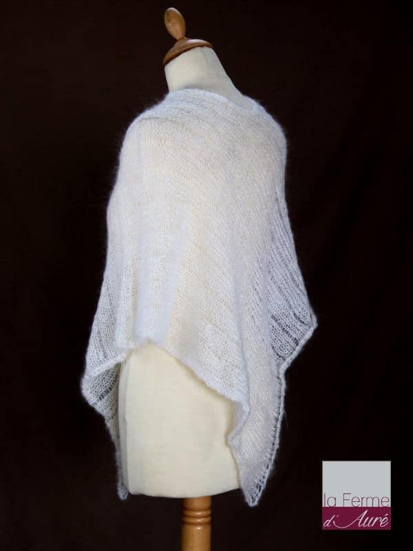 Poncho laine mohair et soie écru tricot main vue de dos