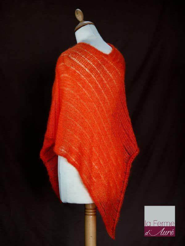 Poncho laine mohair et soie orange tricot main vue de dos
