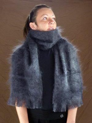 Grande echarpe laine mohair gris ardoise vue de face