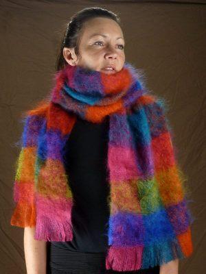 grande-echarpe-laine-mohair-multicolore-face