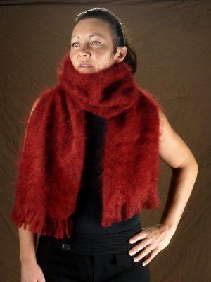 Grande echarpe laine mohair rouge par la Ferme d'Auré