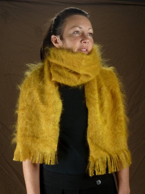 grande-echarpe-laine-mohair-moutarde-face