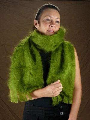 grande-echarpe-laine-mohair-vert-mousse-face