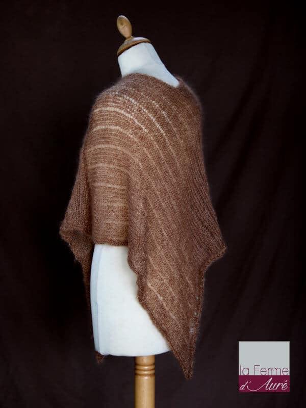 Poncho laine mohair et soie marron camel tricot main vue de dos