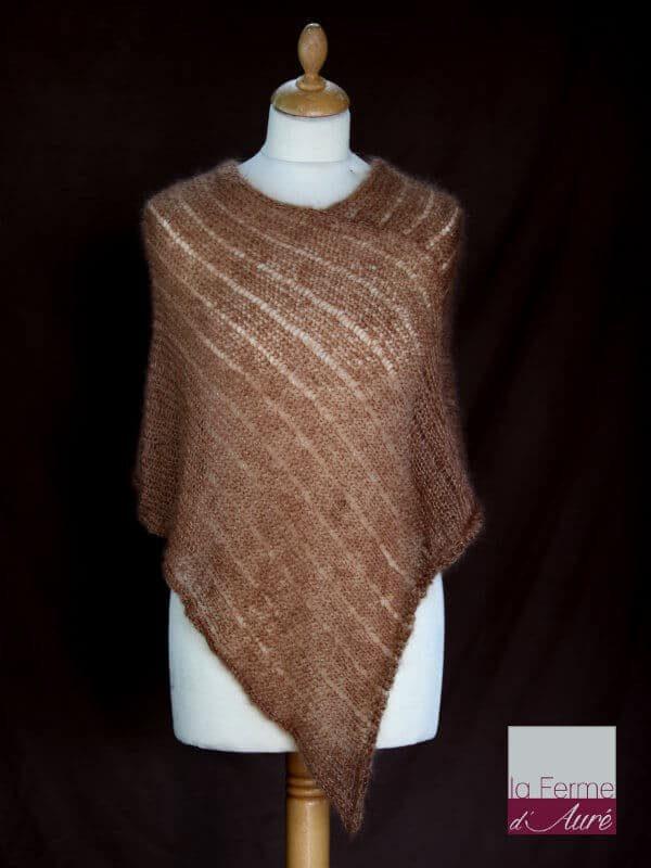 Poncho laine mohair et soie camel tricot main vue de face