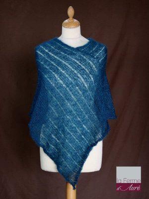 Poncho laine mohair et soie vert canard tricot main vue de face
