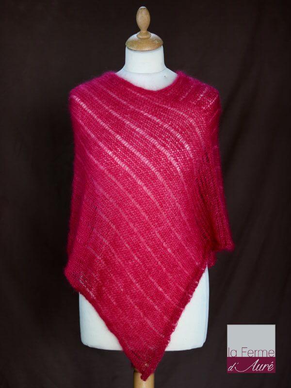 Poncho laine mohair et soie groseille pour femme vue de face
