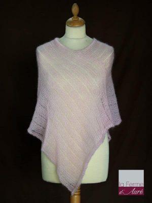 Poncho laine mohair et soie fait main rose poudré vue de face