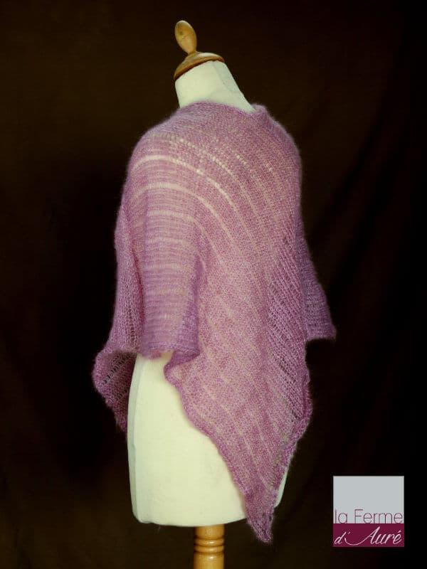 Poncho en laine mohair et soie vieux rose - tricot fait main vue de dos
