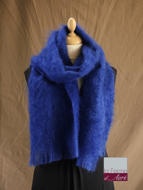 Grande écharpe laine mohair bleu klein - Mohair Ferme d'Auré