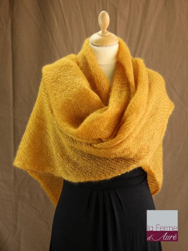 chale femme laine mohair jaune moutarde par la Ferme d'Auré - Chale en laine mohair