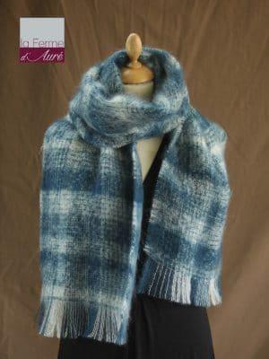 Grande écharpe laine mohair carreaux blanc bleu - Mohair Ferme d'Auré