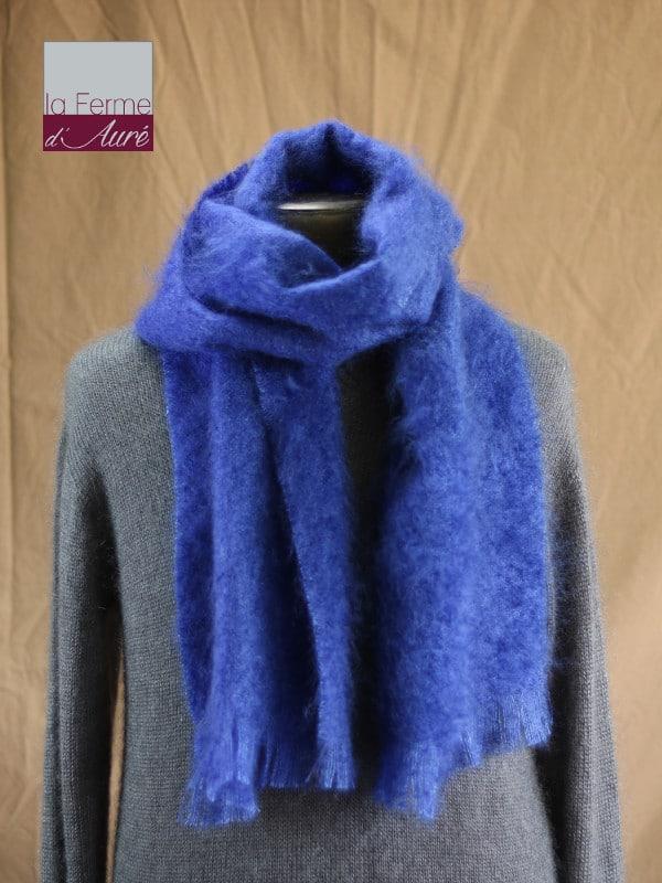 Grande écharpe laine mohair pour homme coloris bleu klein - Mohair Ferme d'Auré