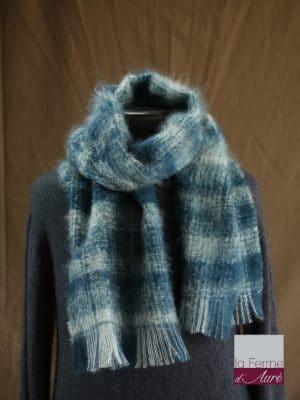 Grande écharpe laine mohair pour homme coloris à carreaux bleu et écru - Mohair Ferme d'Auré