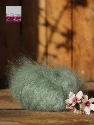 Pelote de laine pur mohair coloris vert verveine - Ferme d'Auré