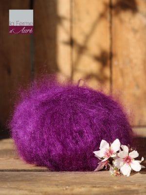 Pelote de laine pur mohair violet cardinal - Mohair de la Ferme d'Auré