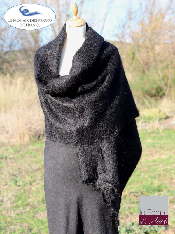 etole-femme-echarpe-mohair-noir-1