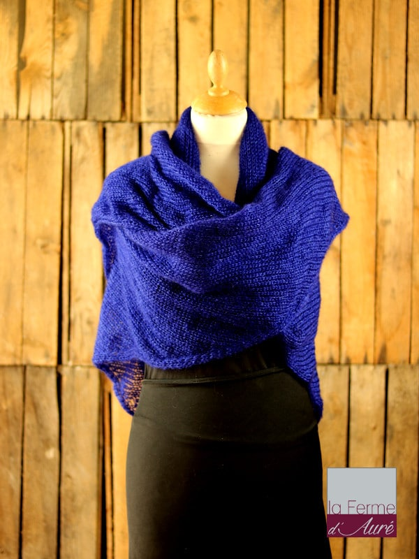 chale-femme-laine-mohair-bleu-encre-ferme-d-aure
