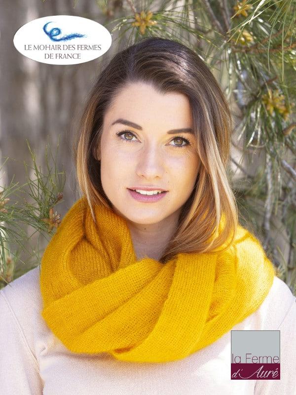 Echarpe tricotée Mohair et Soie Jaune soleil côtes 1/1